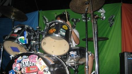 it's me playing drums