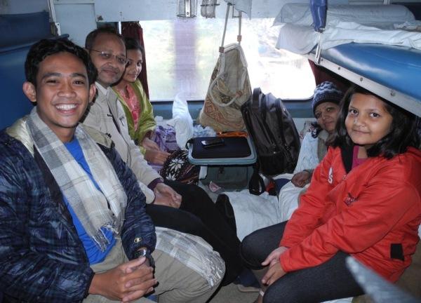 kereta di India!