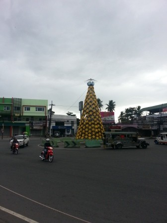 pohon natal di Angeles City