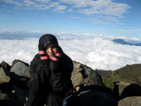 di atas awan!