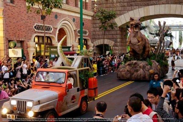 Hollywood Dreams Parade - Lost World
